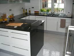 granit küche arbeitsplatte außergewöhnliche hängele über ruhige farbe