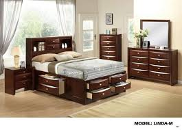 queen size bed two night stands dresser and mirror