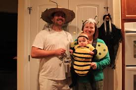 Family Halloween Costume With Baby by Family Halloween Costumes U2026 Buzzzzzz Diy Mo