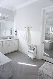 Gray And White Bathroom - best 25 wainscoting bathroom ideas on pinterest white bathroom