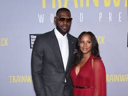 Home James by Lebron James U0027 Home Vandalized With N Word Graffiti Business Insider