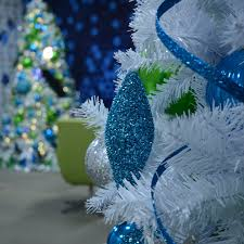 commercial christmas decor rentals
