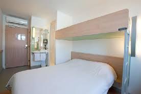 hotel lyon dans la chambre chambre etap hotel lyon l isle d abeau photo de ibis budget lyon