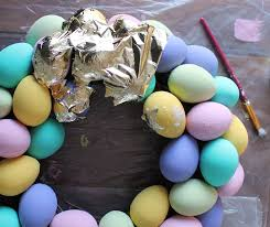 how to make an easter egg wreath the craft patch diy gold leaf speckled easter egg wreath