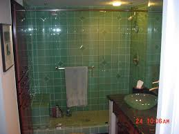 27 great small bathroom glass tiles ideas glass tile bathroom walls 6