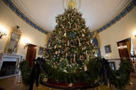 obama unveil white house christma decor yahoo news