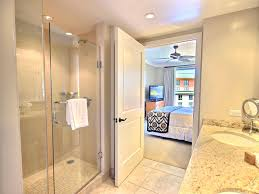 kbm hawaii honua kai hkh 648 luxury vacation rental at large master bathroom with separate shower and bathtub