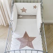 chambres bébé pas cher chambre bébé pas chère cocoon design blanche et grise made in