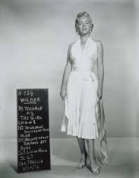 marilyn monroe costume spirit halloween marilyn monroe iconic white dress the seven year itch 1954