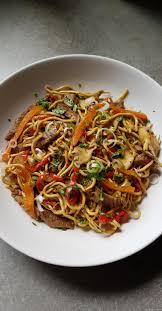 comment cuisiner des nouilles chinoises nouilles chinoises au boeuf et aux légumes