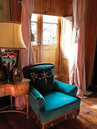 inside daring rooms by courtney love julianne moore and lena inside daring rooms by courtney love julianne moore and lena dunham s interior designer of choice vogue