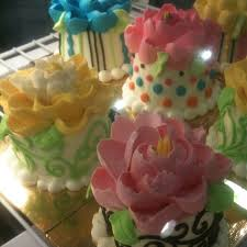 White Flower Cake Shoppe - tamara gates turner foodspotting