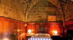chambre d hotes dans le cantal chambres d hôtes château de lescure chambres et suites pierrefort