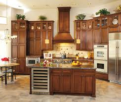 Cherry Glaze Cabinets Cherry Cabinets In A Traditional Kitchen Decora