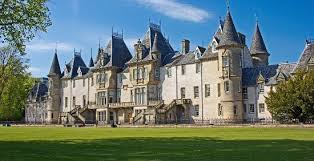 chateau style callendar house falkirk well worth a visit to the chateau