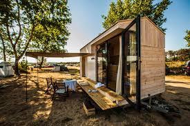 vacation in a tiny house koleliba a tiny vacation home on wheels home design lover