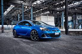 2015 holden astra pricing and specifications photos 1 of 9