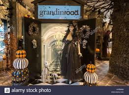macy u0027s halloween concept shop a partnership with grandin road a
