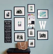 25 captivating entryways that embrace the beauty of the gallery wall