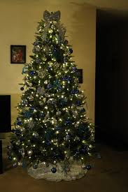 the ultima 7 5ft pre lit artificial christmas tree that leaves