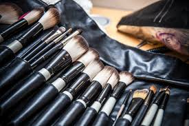 you should clean your makeup brushes every two weeks sorry to break it to you