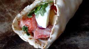 cuisine irakienne sandwich aubergines et oeufs sabih irak la tendresse en cuisine