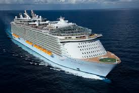 cruise ship the world the world s largest cruise ship allure of the seas twistedsifter