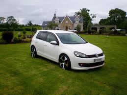 white volkswagen golf 2010 vw volkswagen golf mk6 white 1 6tdi bluemotion 5dr alloys