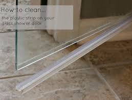 Sealing A Shower Door It S Easy To Clean Clean The Glass Shower Door Plastic