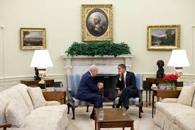 le du bureau file barack obama meets shimon peres in the oval office jpg