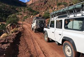 land rover daktari overland uni join team maxing out in their adventures as they