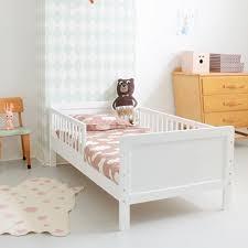 chambre enfant 2 ans lit enfant 140 x 70 cm 2 5 ans massif blanc chambre baptiste