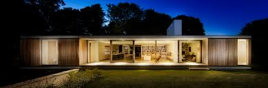 ström architects cantilevers u0027the quest u0027 bungalow in england