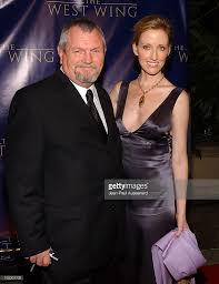 janel moloney and her dad during the west wing 100th episode at four picture id105301702