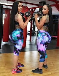 2 000 squats per day gave curvy twins four foot new york post