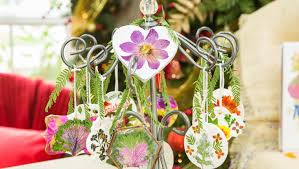 how to diy pressed flower ornaments hallmark channel