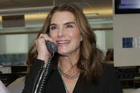 brooke shields on making up with tom cruise u0027life is too short
