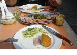 malakoff cuisine frios e salada acompanham o malakoff picture of auberge de luins