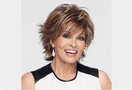 modele coupe de cheveux court femme 50 ans modele coiffure courte femme 50 ans volume et shagginess coupe