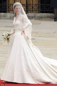 Designer Wedding Dresses 2011 Pippa Middleton Chose Giles Deacon For Wedding Dress Daily Mail