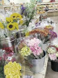 creating flower arrangements for your home with flowers from