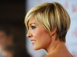 shingling haircut face flattering short shingle haircut for summer jenna elfman