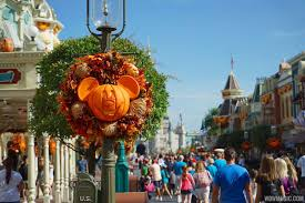 disney halloween decorations photos fall has arrived at the magic kingdom see the halloween