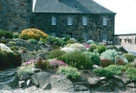 Barnhill Rock Garden Rock And Garden Stylish Gardens United Kingdom Edinburgh Castle