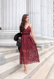 dress to party lace dress faux fur scarf