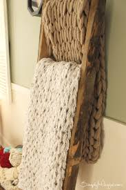 knit a chunky blanket in 1 hour with arm knitting simplymaggie com
