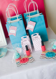 bridal shower gift bags baby and wedding shower favor ideas dig this design