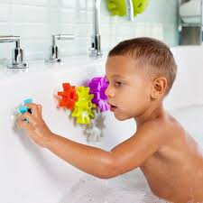 bath toys buy online at fat brain toys boon cogs water gear bath toy