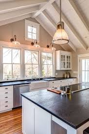 Kitchen Countertops With White Cabinets by Best 20 Vaulted Ceiling Kitchen Ideas On Pinterest Vaulted