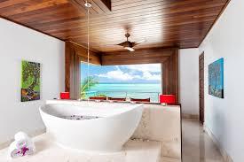 beach kandi on grace bay grace bay beach turks and caicos islands beach kandi in turks and caicos lavish beachfront master bedroom suites with elevated soaking tubs